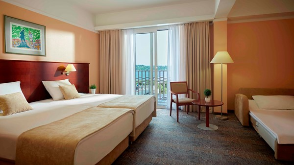 grand-hotel-portoroz-old-triple-room-sea-view-2019-web