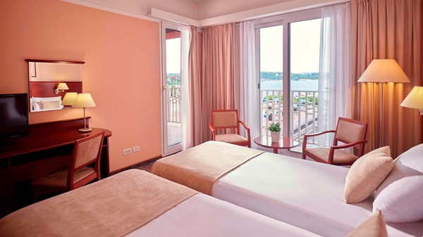 grand-hotel-portoroz-double-room-old-window-sea-view-web